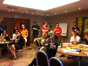 Program_Evaluation_Workshop_tables_and_people_in_Budapest_(6)_compress