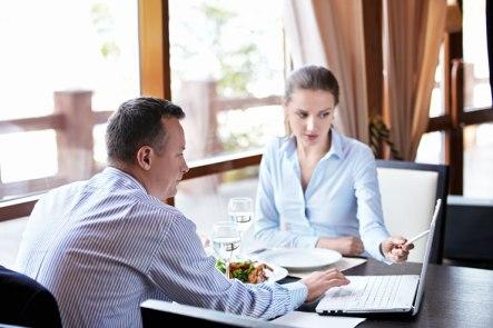 Business-Meeting-in-Restaurant